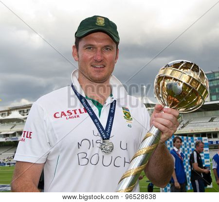 LONDON, ENGLAND. AUGUST 20 2012 South Africa's Graeme Smith with the Mace for being the No1 test team in the world after winning the third Investec cricket test match between England and South Africa