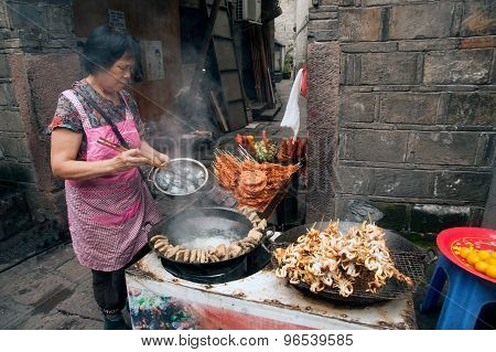 Vendors Selling Fried Tofu.