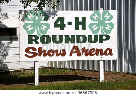 4-H building at a county fair