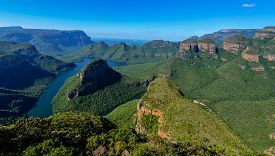 image of three sisters  - Blyde River Canyon and The Three Rondavels  - JPG