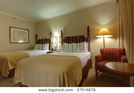 King-size Bed With Bedside Table  And Lamps