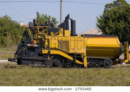 Asphalt Paving Maching