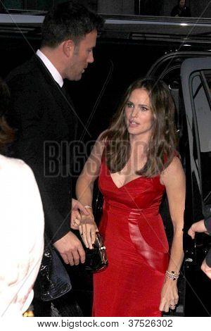LOS ANGELES - 4 de outubro: Ben Affleck, Jennifer Garner chega na