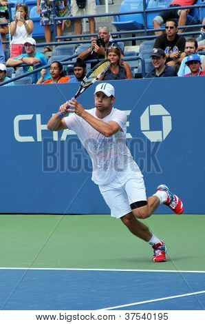 Professional tennis player and US Open champion Andy Roddick practices for US Open