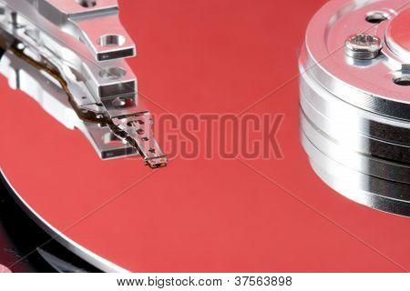 Ge�ffnete Festplatte Mit Roter Reflektion