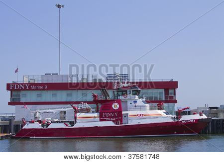 New York - MAY 29: FDNY fire fighter boat docked in New York harbor during Fleet week on May, 29, 20