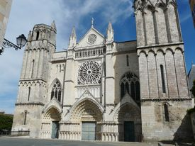 pic of poitiers  - Old medieval Gothic church in Poitiers - JPG