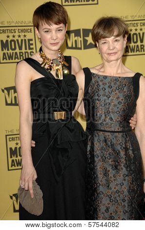 Carey Mulligan and Her Mother at the 15th Annual Critic's Choice Awards, Hollywood Palladium, Hollywood, CA. 01-15-10