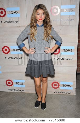 LOS ANGELES - NOV 12:  Sarah Hyland arrives to the TOMS for Target Partnership Celebration on November 12, 2014 in Culver City, CA