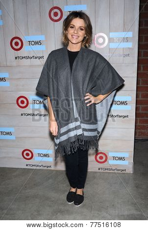 LOS ANGELES - NOV 12:  Ali Fedotowsky arrives to the TOMS for Target Partnership Celebration on November 12, 2014 in Culver City, CA