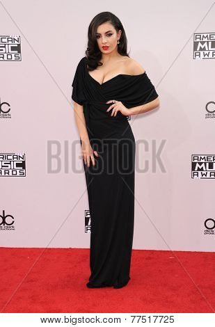 LOS ANGELES - NOV 23:  Charli XCX arrives to the 2014 American Music Awards on November 23, 2014 in Los Angeles, CA