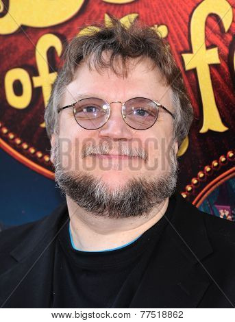 LOS ANGELES - OCT 12:  Guillermo de Toro arrives to the