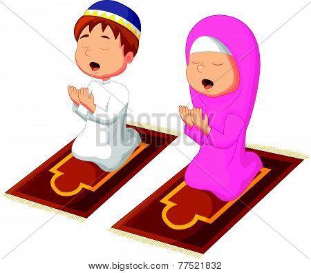 Muslim kid praying