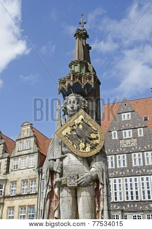 medieval statue of hero Roland and the old town of Breme