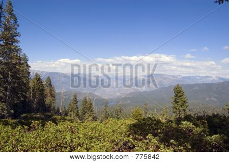 Sierra Nevada mountains with Hume Lake