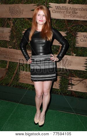 LOS ANGELES - DEC 3:  Genevieve Angelson at the Opening night of Oregon Shakespeare Festival