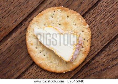 Traditional round cheese crackers.