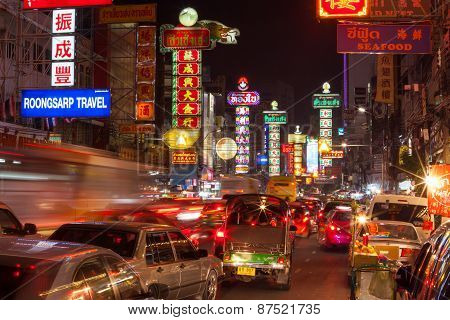 Bangkok - December 31: Busy Yaowarat Road In The Night On December 31, 2014 In Bangkok. Yaowarat Roa