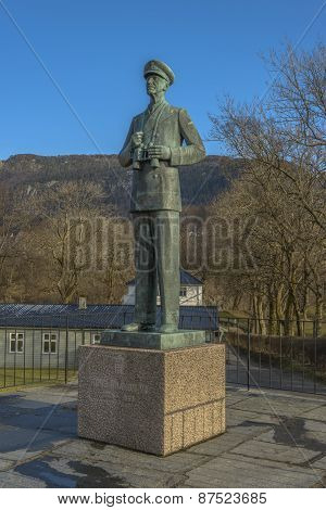 Statue Of King Hakon Vii Of Norway