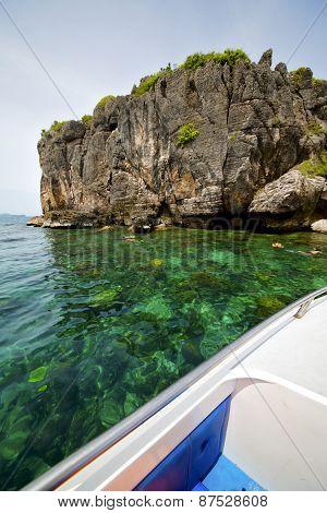 Asia In The  Kho Phangan Isles Bay   Rocks    Thailand  And South China    Boat