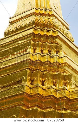 Pavement Gold    Temple   In   Bangkok  Thailand Incision Of  Temple