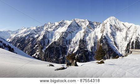 Mountain panorama image