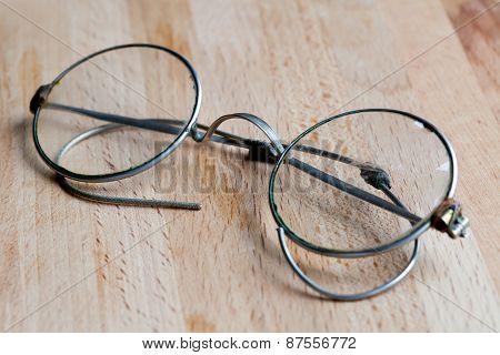 Closed Glasses
