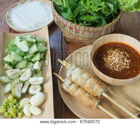 Vietnamese Pork Sausage/vietnamese Meatball Wraps /nam Neung