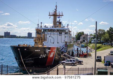 USS Hollyhock