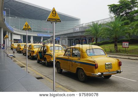 Yellow Ambassador Taxi Cars Waiting Passenger In Kolkata