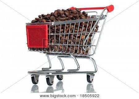 Kaffeebohnen in einem Warenkorb