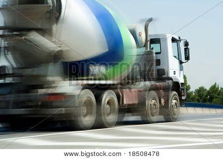 Camión mezclador de cemento