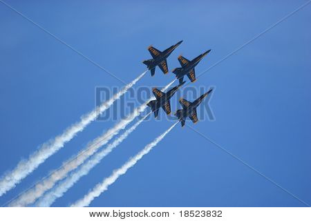 blue angels performing at beaufort marine corp air station