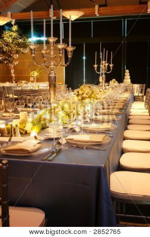 Large Wedding Reception Table Setting