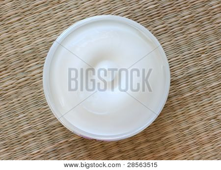 Body lotion in a pot