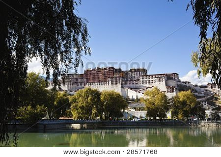 tibet: potala palace