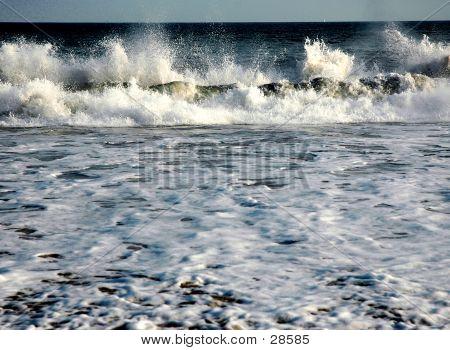 Vibrant Waves