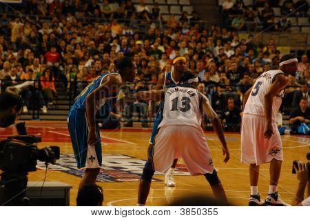 NBA na Europa Hornets Versus assistentes