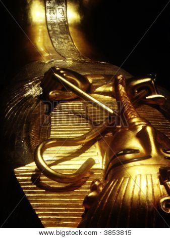 Tumba egipcia oro