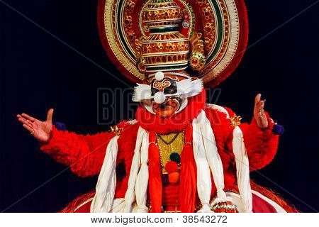 CHENNAI, INDIA - SEPTEMBER 9: Indian traditional dance drama Kathakali preformance on September 9, 2009 in Chennai, India. Performer portray monkey king Sugriva character in Ramayana drama
