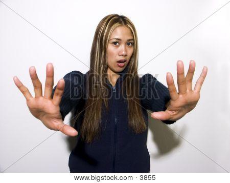 Rachelle Hands
