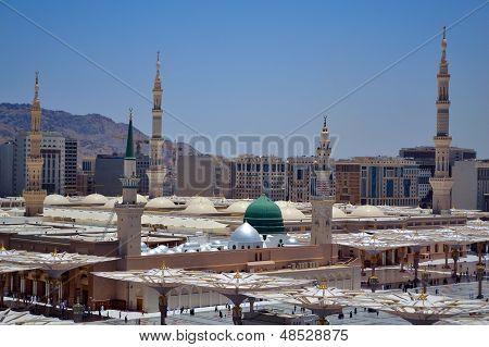 Prophet's Mosque green dome in medina