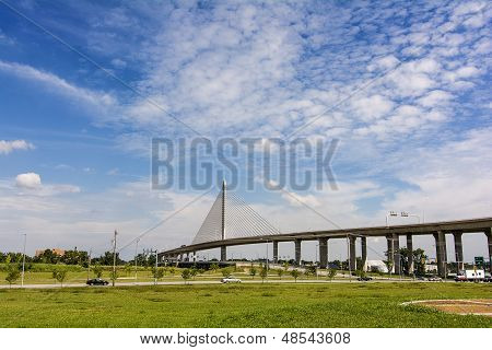 Veterans' Glass City Skyway Bridge