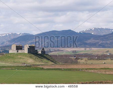 Ruthven Castle 2