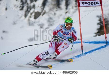 VAL GARDENA, Italia el 18 de diciembre de 2009. Klaus Kroell (AUT) compitiendo del mundo de esquí alpino Audi FIS
