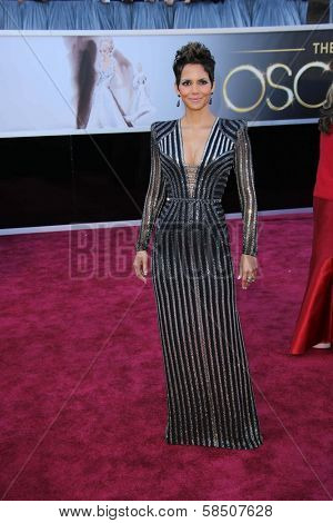 Halle Berry at the 85th Annual Academy Awards Arrivals, Dolby Theater, Hollywood, CA 02-24-13