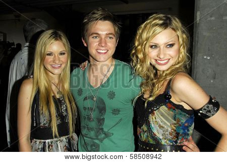 ANAHEIM - JULY 22: Aly Michalka Jesse McCartney and AJ Michalka at the Radio Disney Totally 10 Birthday Concert at Anaheim Pond on July 22, 2006 in Anaheim, CA.