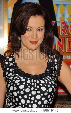 HOLLYWOOD - AUGUST 15: Jennifer Tilly at the Los Angeles Premiere of Dirty Rotten Scoundrels on August 15, 2006 at Pantages Theatre in Hollywood, CA.