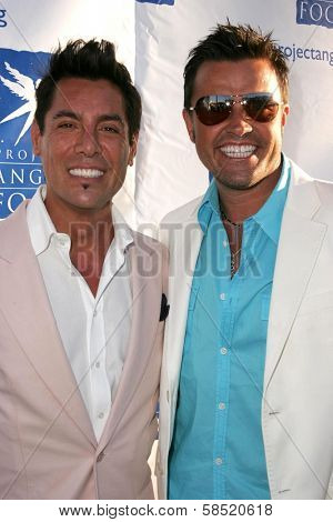 HOLLYWOOD - AUGUST 05: Louis Gonzalez and Michael Moloney at the 13th Annual Angel Awards hosted by Project Angel Food on August 05, 2006 at Project Angel Food in Hollywood, CA.
