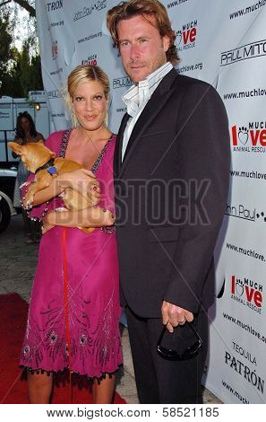 MALIBU, CA - AUGUST 05: Tori Spelling and Dean McDermott at